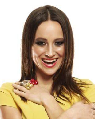 Slovenska pevka prvič postala mamica